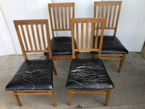 食卓椅子 座面張替え(合皮張り)